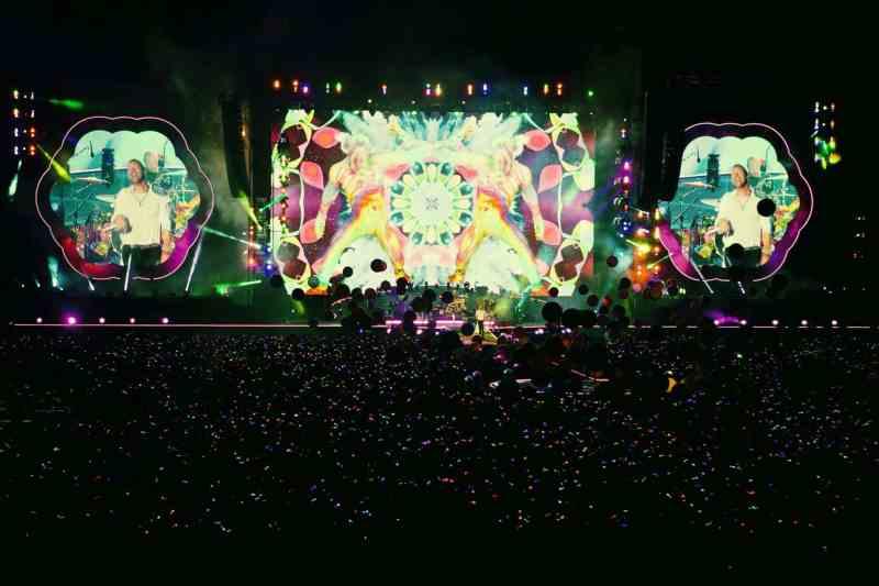 Coldplay pausa su gira hasta que los espectáculos se puedan hacer de manera sostenible
