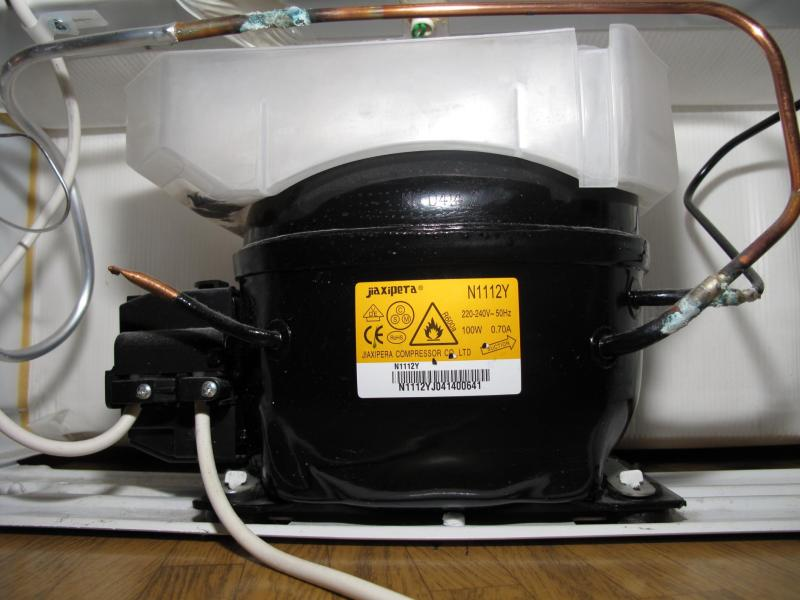 Jóven crea dispositivo capaz de calentar agua con el calor del refrigerador