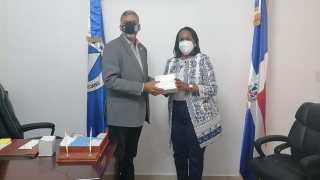 PARLACEN dona 3 mil mascarillas a la Asociación Dominicana de Profesores (ADP)