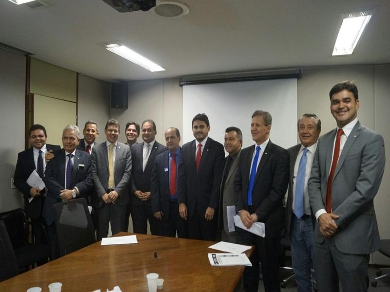 Resultado de imagem para DNIT atualiza bancada do Maranhão sobre obras das BRs 135 e 226
