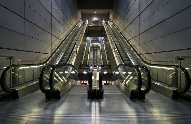 מדרגות נעות ברכבת תחתית בקופנהגן. צילום: Styg Nygaard