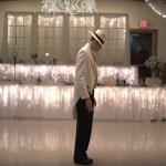 Casal surpreende em festa de casamento