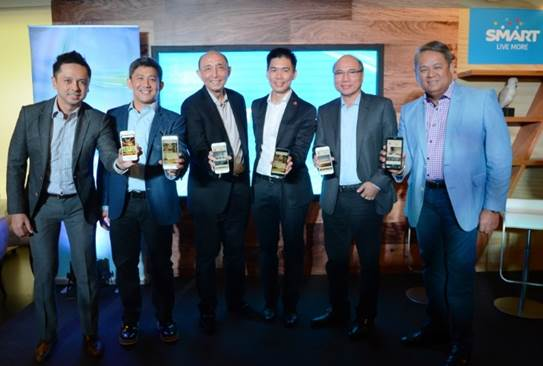 Voyager Innovations Head for Business Development and International Partnerships Stephen Misa; Executive Vice President and Head of Consumer Business for PLDT and Smart Ariel P. Fermin; PLDT and Smart CEO and President Napoleon L. Nazareno; Airbnb Regional Managing Director for Southeast Asia and India JJ Chai; Smart Co-Founder and Voyager Innovations President and CEO Orlando B. Vea; Executive Vice President and Head of Enterprise Business at PLDT and Smart Eric R. Alberto