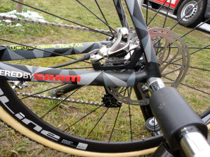 CX-Worlds_Marcel_Wilhaber_Scott-Addict-CX-SL_prototype_carbon_disc-brake_cyclocross_bike_thru-axle_rear-end_flat-mount-brakes-297x222
