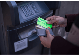 Carte MasterCard TransferWise verte fluo