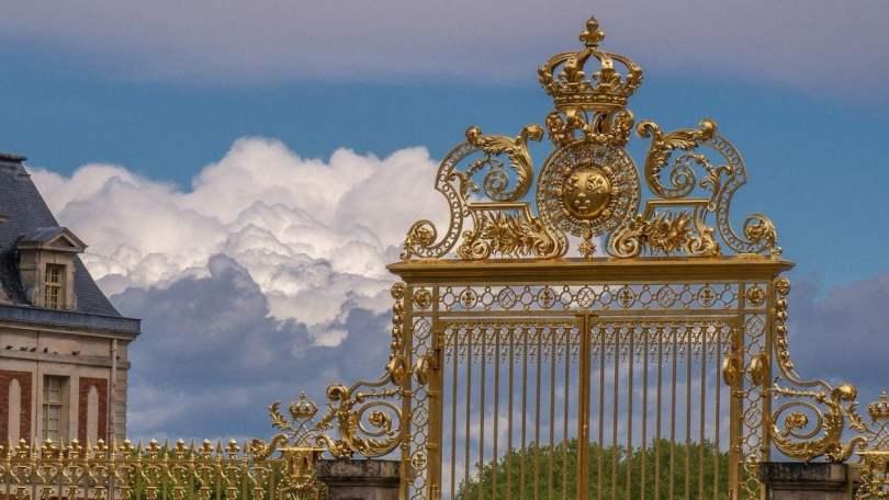 Versailles - cancelli dorati di una prigione dorata