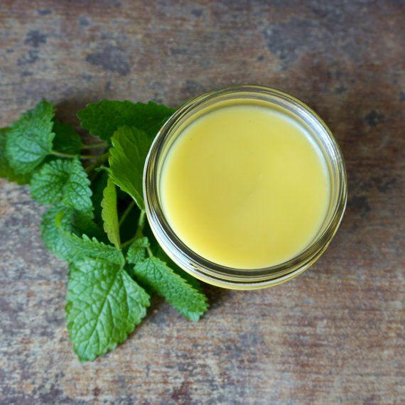 Te explicamos como Eliminar el herpes genital con bálsamo de limón