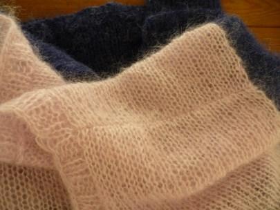 rabattage à 3 aiguilles, sur l'endroit du tricot