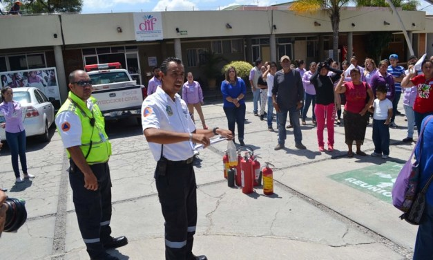 """Conmemoran """"Día de Protección Civil"""", con simulacros en instalaciones del DIF"""
