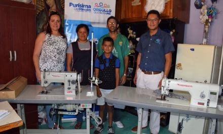 Emprendedores de Purísima reciben apoyos