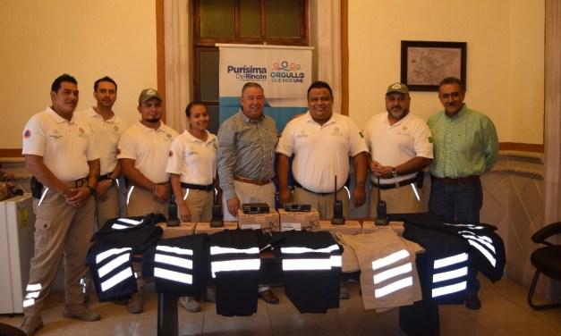 Equipan a personal de Protección Civil en Purísima