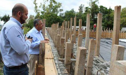 Supervisan avances del nuevo centro deportivo de Purísima