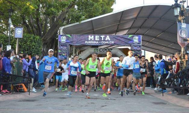 Corren cientos en Purísima del Rincón