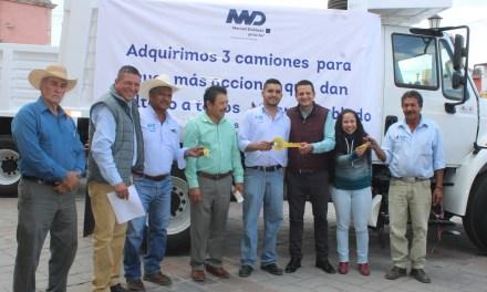 3 nuevos camiones de volteo para Manuel Doblado