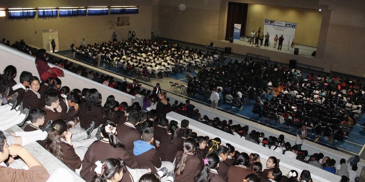 Participan estudiantes en concierto didáctico