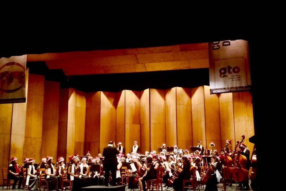 Orquesta Sinfónica de Purísima se presenta en el Teatro Juárez