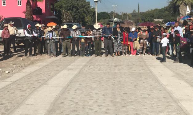Inauguran nuevo camino en comunidad dobladense