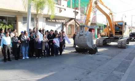 Incian obras en calle Hidalgo de Purísima del Rincón