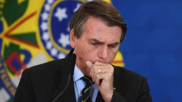 Ante un nuevo récord, por segundo día consecutivo de muertes por coronavirus, Bolsonaro pidió por el fin de las cuarentenas