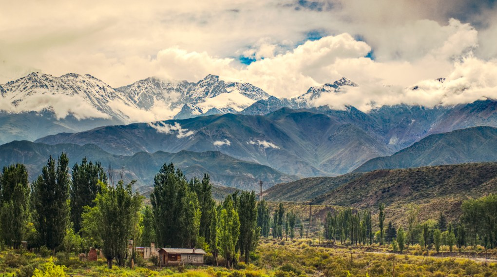 andes-mountain-range-valley-mendoza