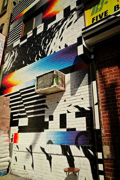 New York street art by Felipe Pantone