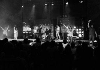 !10 compromisos para un equipo de adoración saludable!