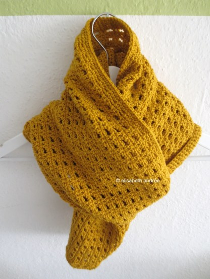 how to wear the mustard yellow scarf by elisabeth andrée