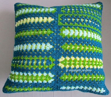 rectangular grannies cushion cover side 1