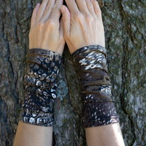 Wrist Warmers Brown Bark