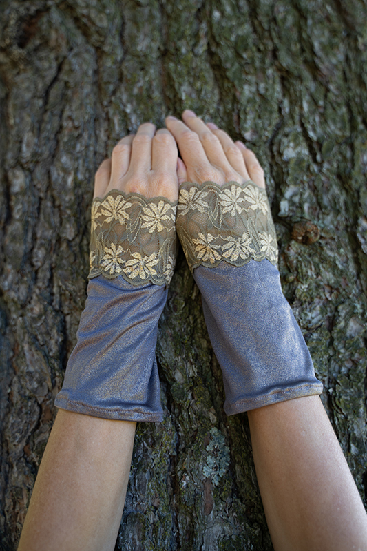 Festive Wrist Warmers With Lace