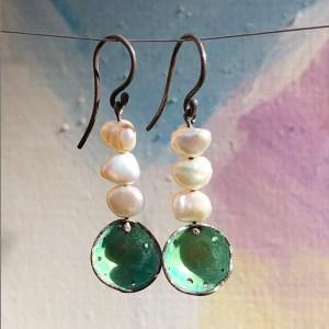Earrings Green Enamel Keshi