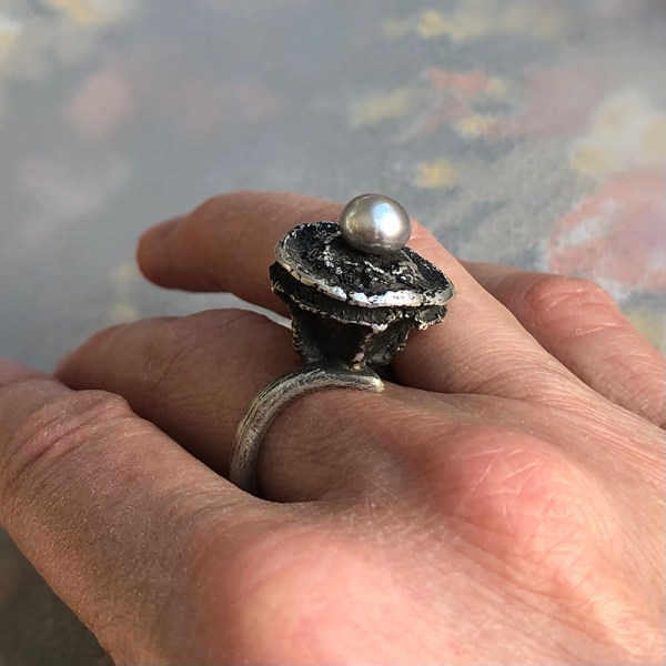 Ring_Seedpod_With Grey Pearl