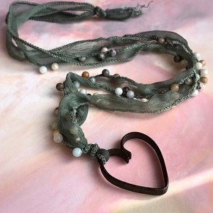 Necklace_Heart_of pearls