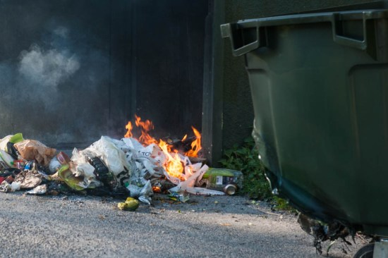 Brand i sopcontainer. Bild: blaljus.se