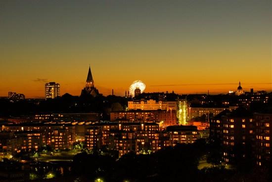 En man knivskars så svårt i en lägenhet på Södermalm i Stockholm att livet inte gick att rädda. Bild: mapio.net
