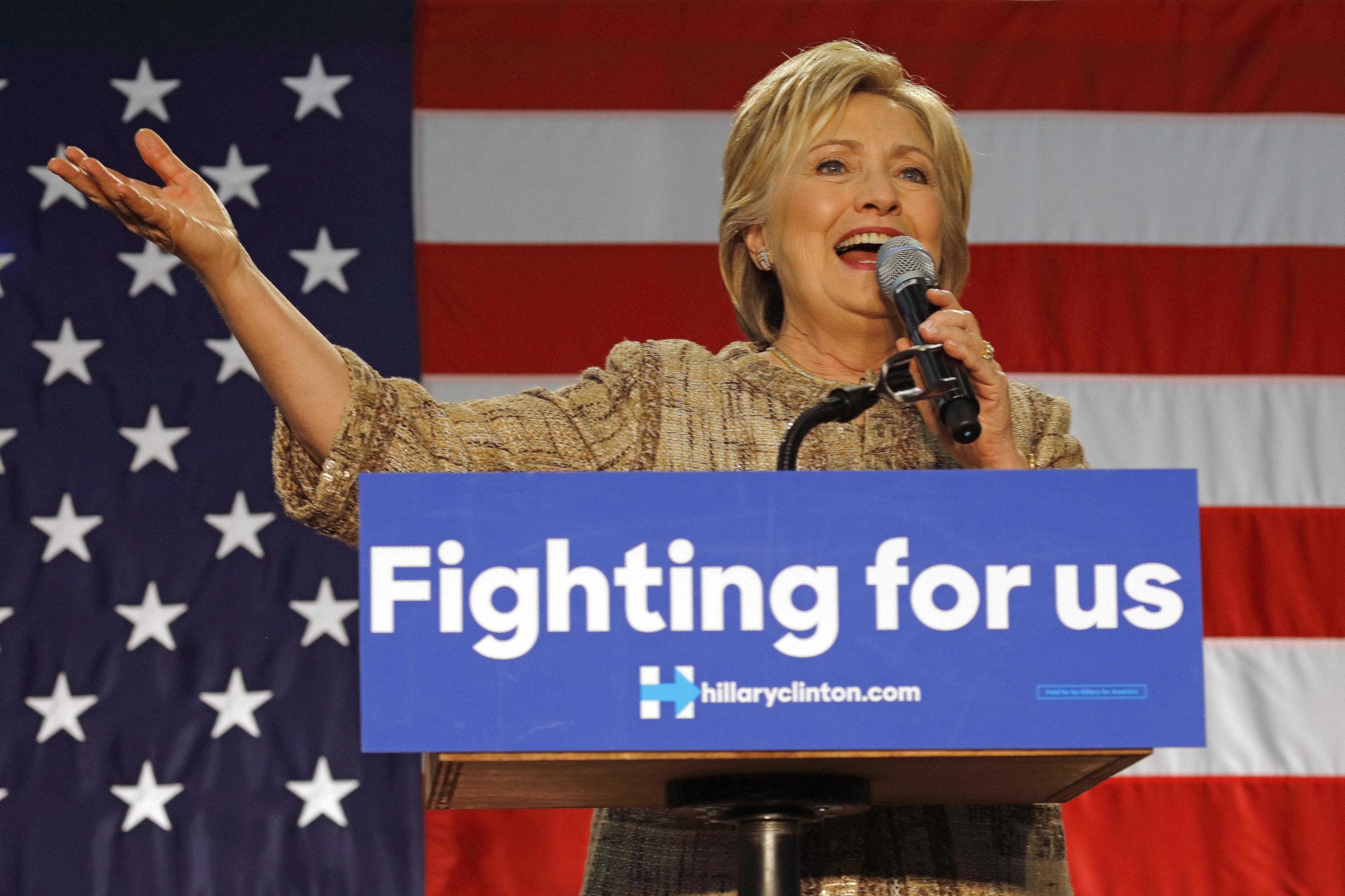 Clinton fbi maste forklara vad som galler