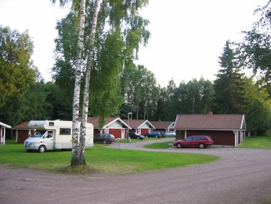 Här på Dalahästens camping i Avesta blir en man misshandlad av en annan gäst. Sommarbild. Foto: mapio.net