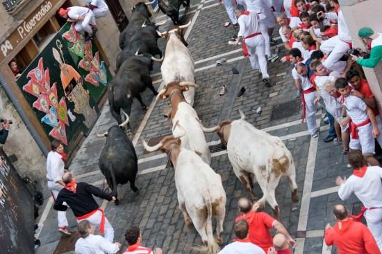Årets tjurrusning i Pamplona, Spanien Copyright: Mmeeds/Dreamstime.com