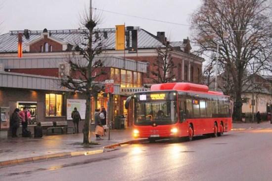 Det var här på Drottninggatan i centrala Karlstad som en 15-årig flicka blev misshandlad vid elvatiden på kvällen. Bild: karlstad.com