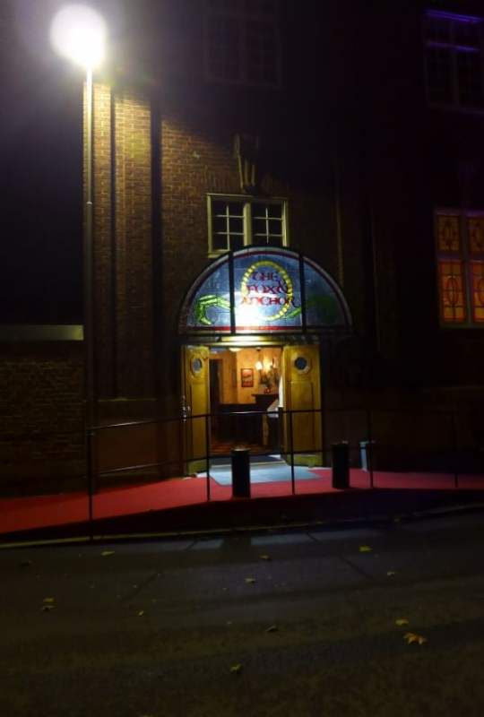 En kvinna blev misshandlad på Restaurangen The Fox and Anchor på Köpmansgatan i Halmstad sent på natten. Bild: Yelp