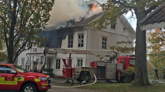Det var herrgården Ramelska huset som blev mycket svårt brandskadad i Sunne. Bild: newsJS