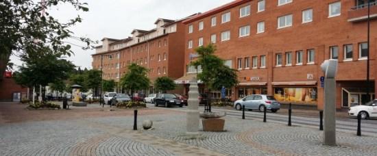 En kvinna blev på onsdagen misshandlad av sin man i parets bostad i Flen. Bild: flen.se