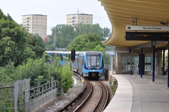 Det var här vi Västertorps T-banestation i Stockholm som mordförsöket ägde rum. Foto: mapio.net