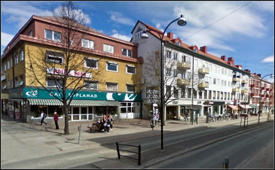 Ett jätteslagsmål utbröt på lördagen här vid Wallininsitutet på Stationsvägen i Borlänge. Sex män greps för grov misshandel. Foto: