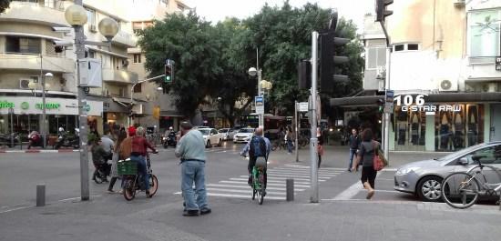 Tel Aviv stora shoppinggata Foto: Elisabet Höglund