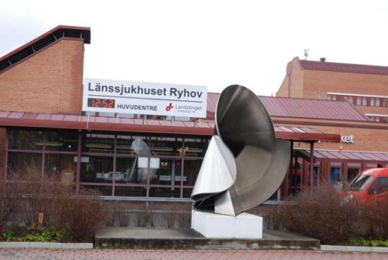 Den skadade 40-åringen förs hit till Länssjukhuset Ryhov i Jönköping efter den svåra misshandeln. Bild: jmini.se