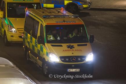 Ambulans med skadad patient Foto: Räddningstjänsten