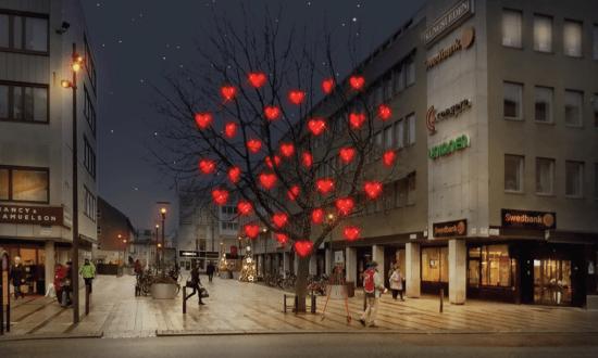 Utanför en restaurang här i Västerås centrum blir en man misshandlad och sparkad efter ett bråk om cigarretter. Bild: vasterascentrum.se