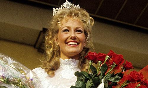 Yvonne Ryding, lucia och Miss Universum 1984. Bild: Pageant Queens Sweden