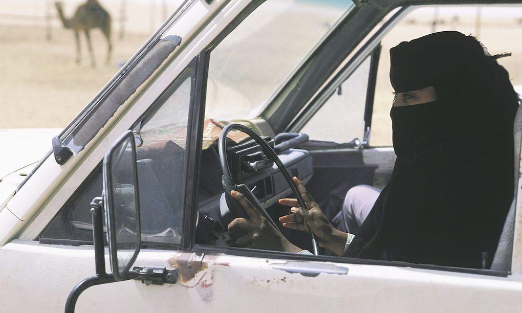 Kvinnor kraver ratt att kora bil